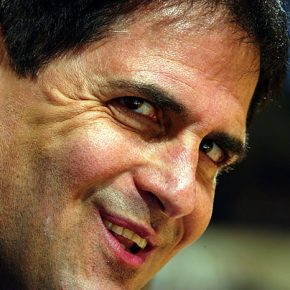 Mark Cuban Decides To Change How We Text... BECAUSE HE CAN.